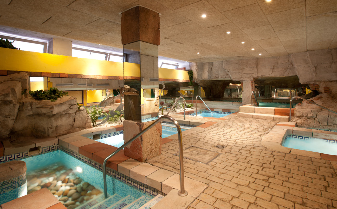 Senzia spa wellness senator c diz spa hotel web oficial - Spa aguas de barcelona ...